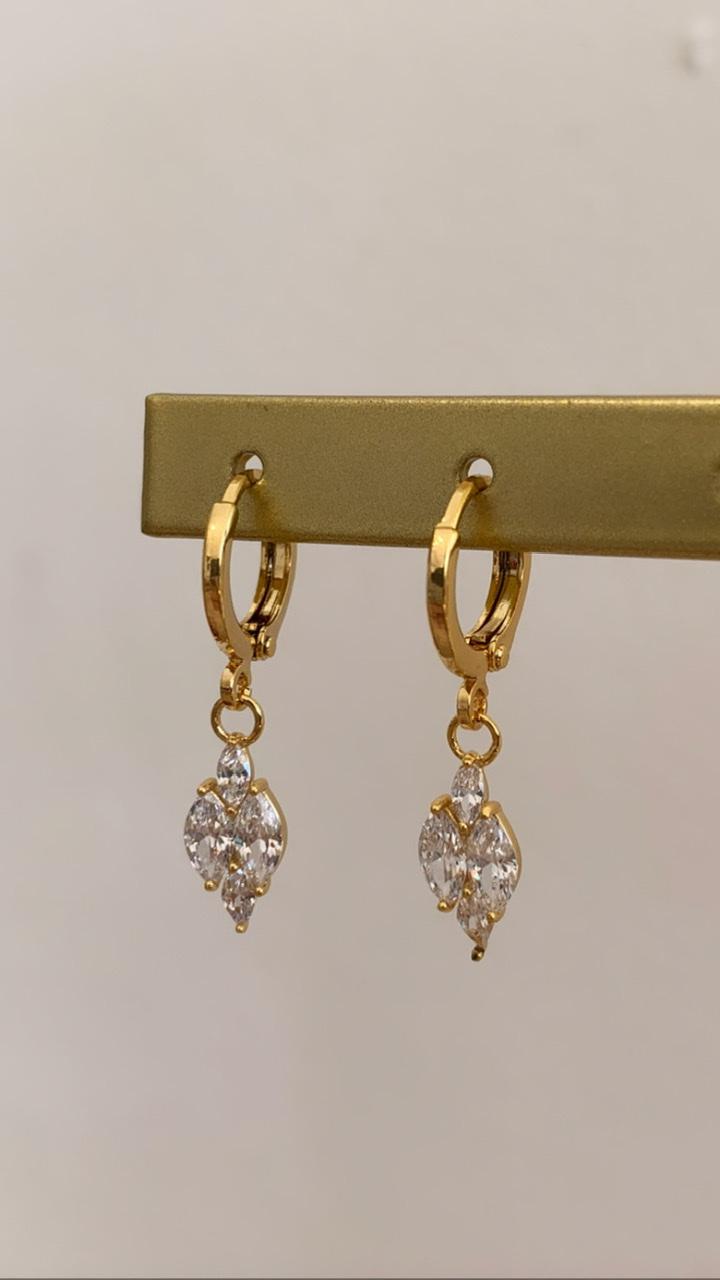Madam Peach - Oorbel Diamant Ovaal - Goud