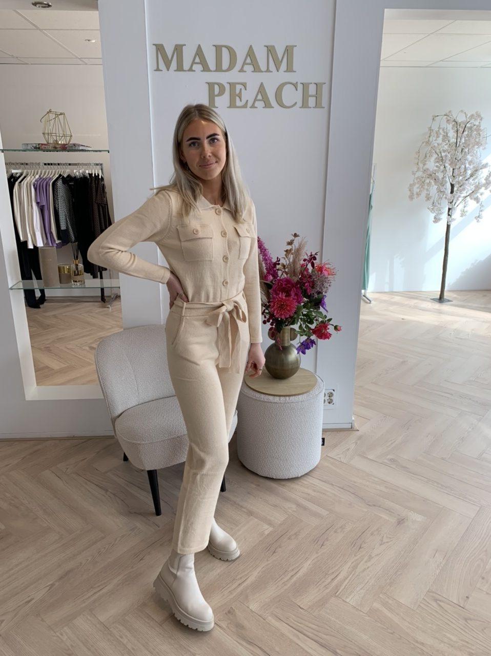 Vanilia Jumpsuit - Creme Madam Peach